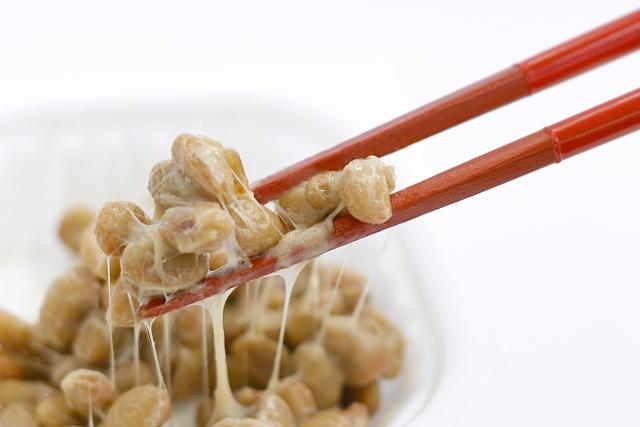 糸を引く納豆